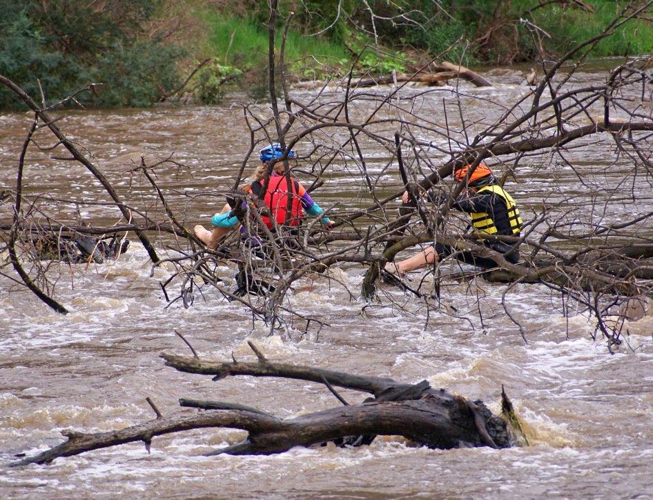 yarra-kayak-rescue-attempt_09878